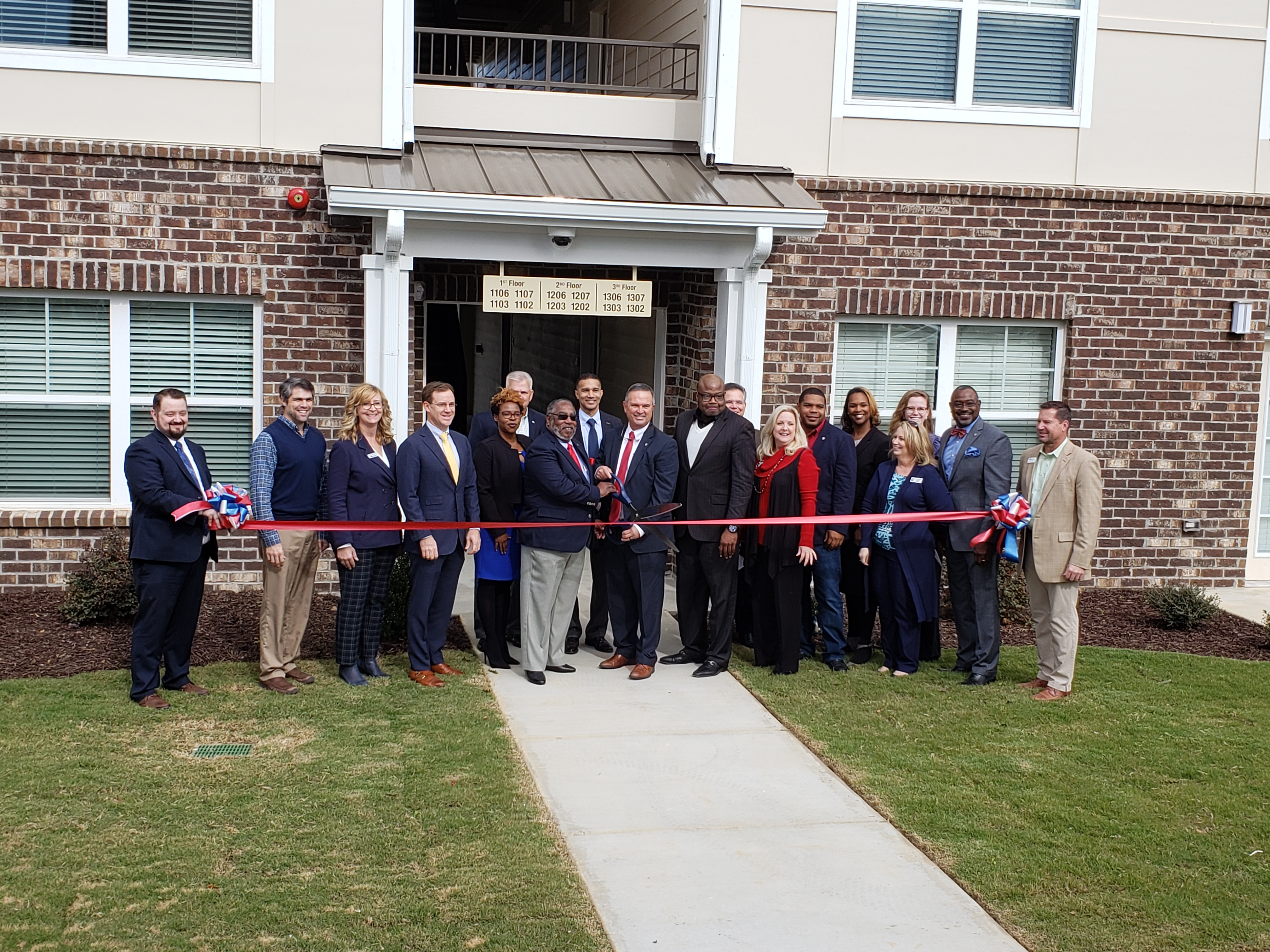 Officials cut the ribbon on a mixed-income community in Georgia.